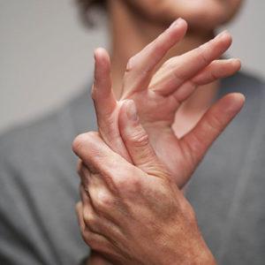 ha a bal kéz ízülete fáj 1 fokos kenőcs kezelés artrózisa