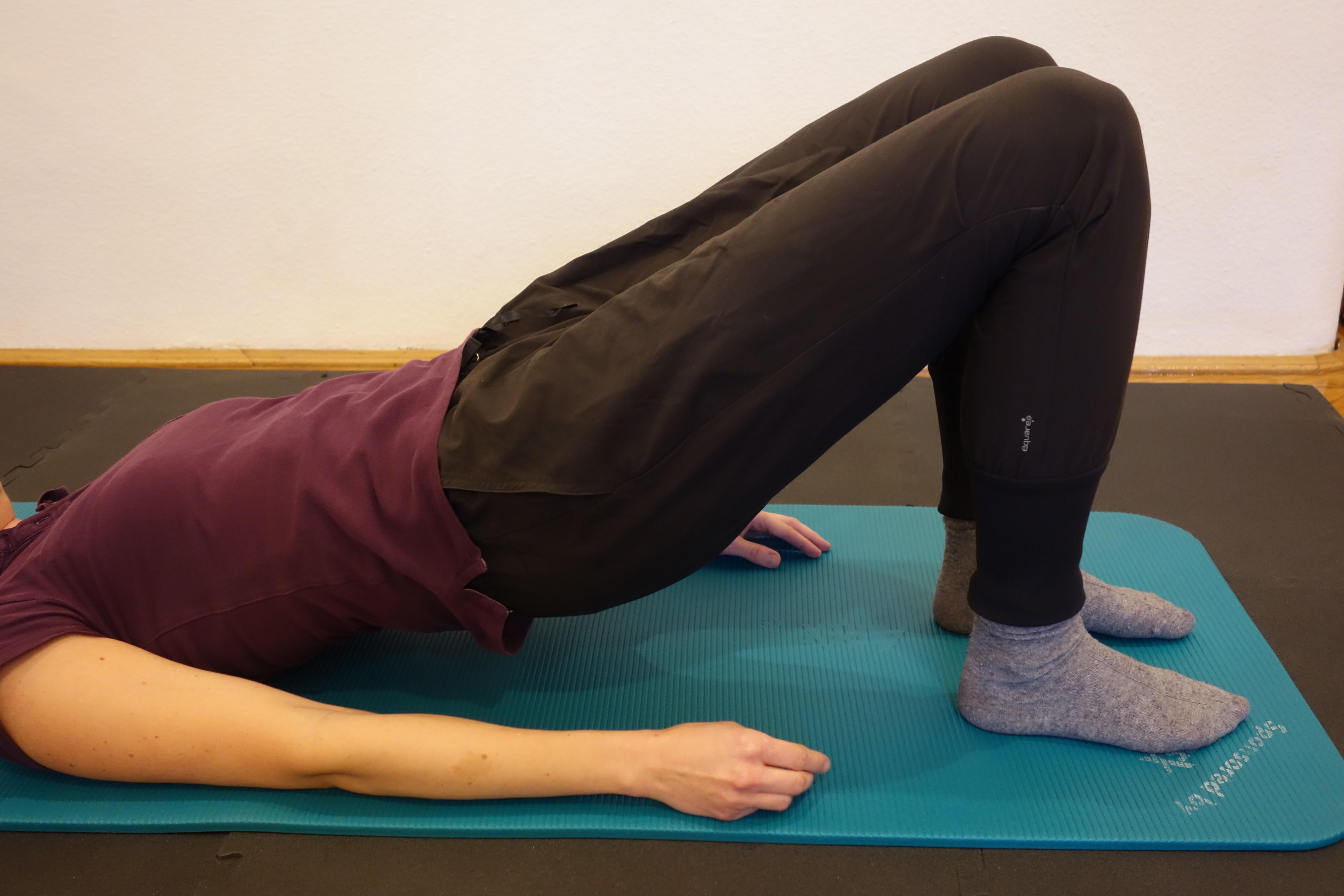 gyakorlatok a csípőízületek térdfájdalmainak kezelésére