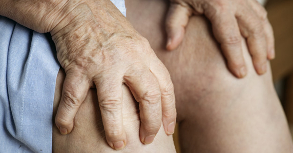 Kínzó térdfájdalom? Hialuronsavval enyhíthetőek a panaszok!