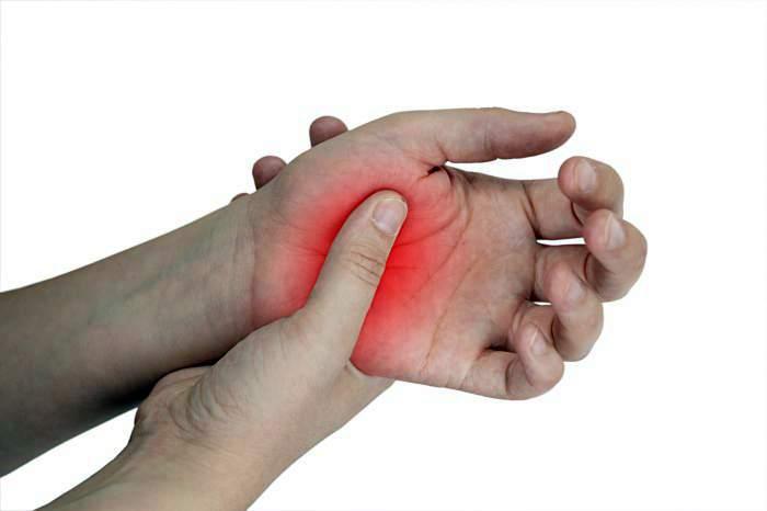az ujjak ízületeinek duzzadása