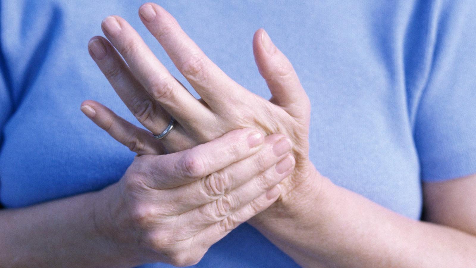 zsibbadt az ízületi fájdalomtól könyök-sprain kezelés