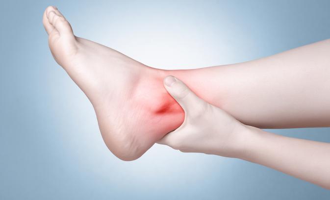 merevség és fájdalom a bokaízületben