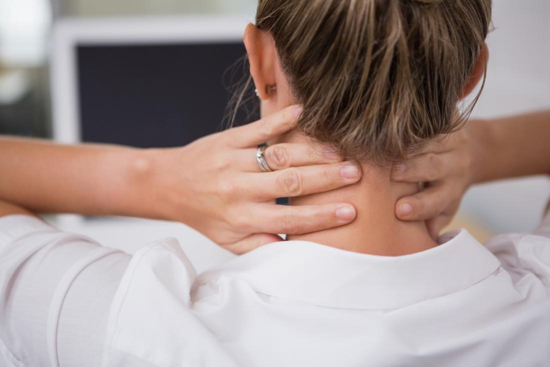 ízületi fájdalom ágyban szenvedő betegeknél)