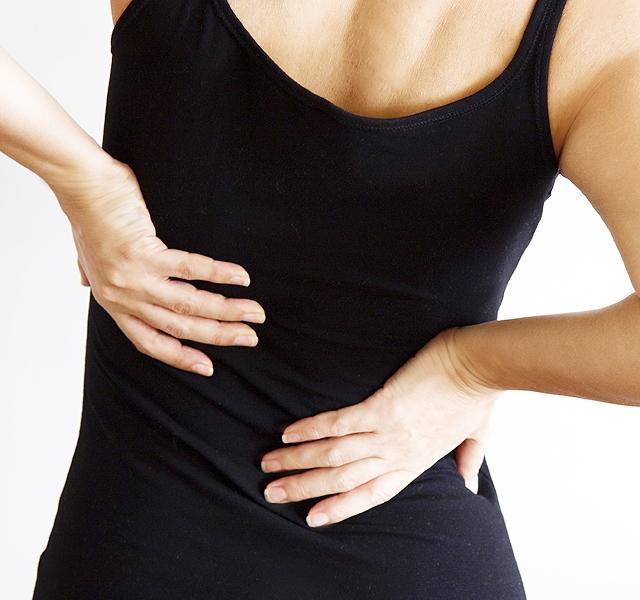 a nyaki fájdalom a csípőízületbe kerül)