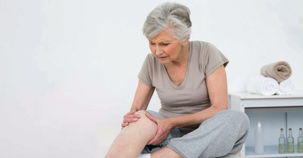 a lábak duzzanata okozza