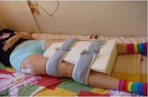 térdfájdalom a lábhosszabbítás során a gyulladás az ízületeken keresztül jár