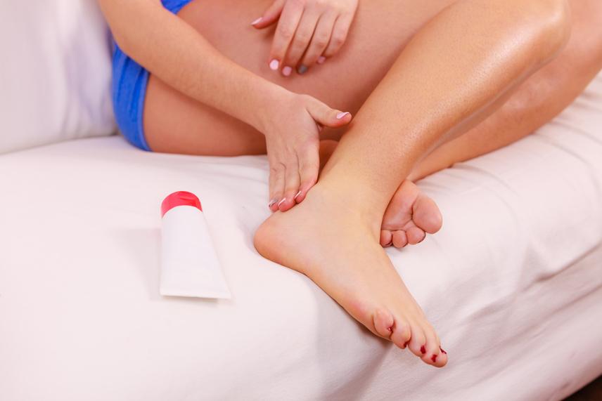 a bokaízület ízületi gyulladása okozza