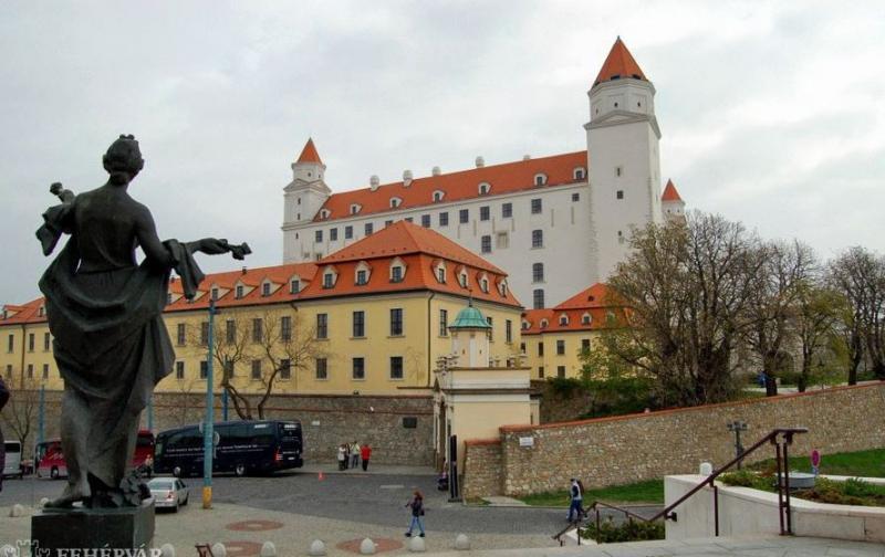Jóváhagyta a prágai önkormányzat a járvány lezárását jelentő akciót