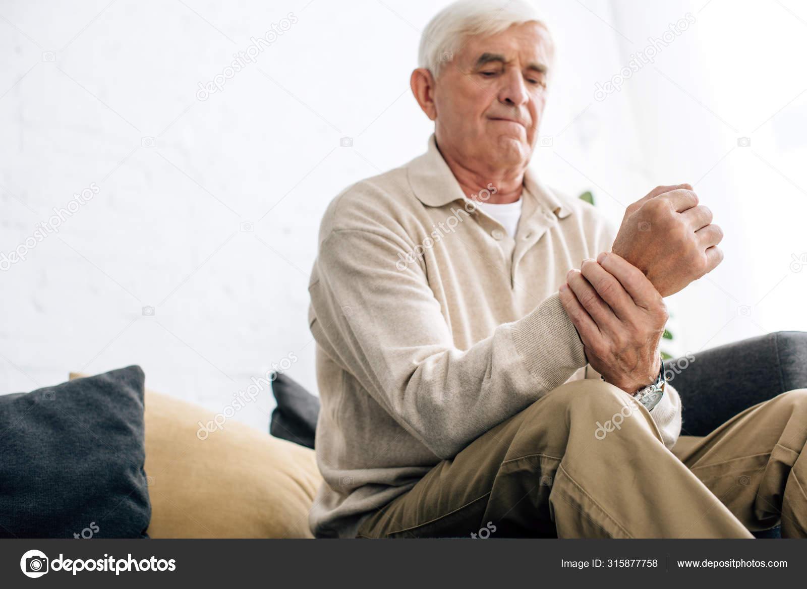 ízületi gyulladáscsökkentő tabletták kezét