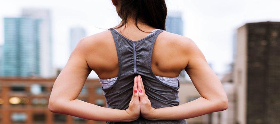 felső hátfájás ellen fájdalom a térdízület belső felületén