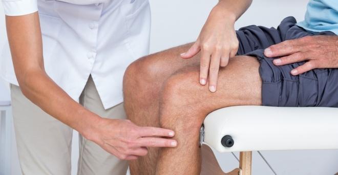fájó térdfájdalom okozza a kezelést