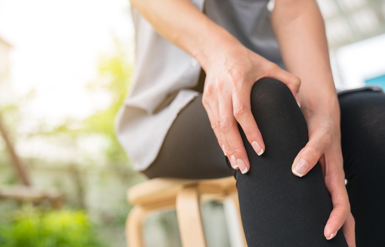 mit kell tenni a kézízületek fájdalmán