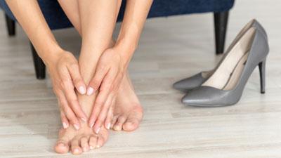 Fájdalom a lábban: okai és kezelése - Bőrkeményedés