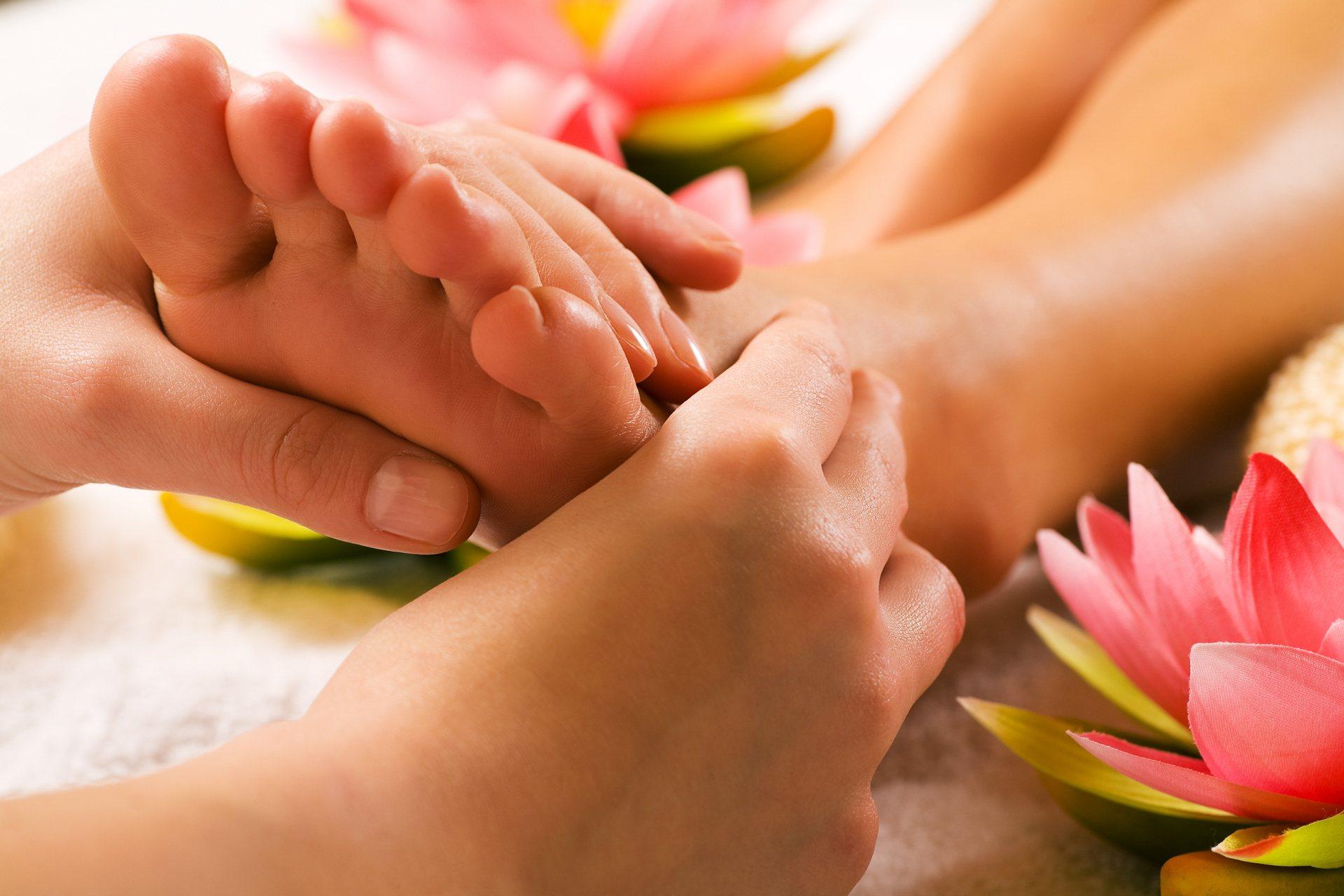 masszázs az ujjak ízületeinek fájdalma érdekében