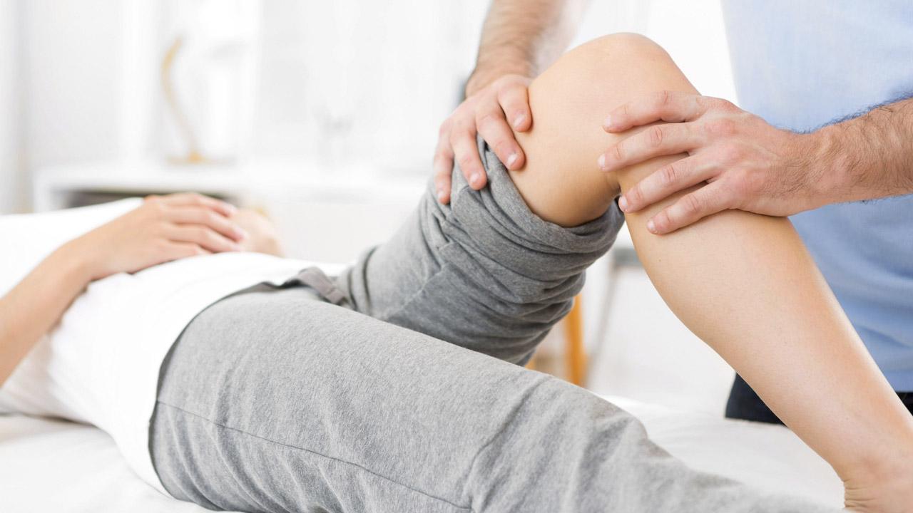 tömöríteni a térd ízületi fájdalmait