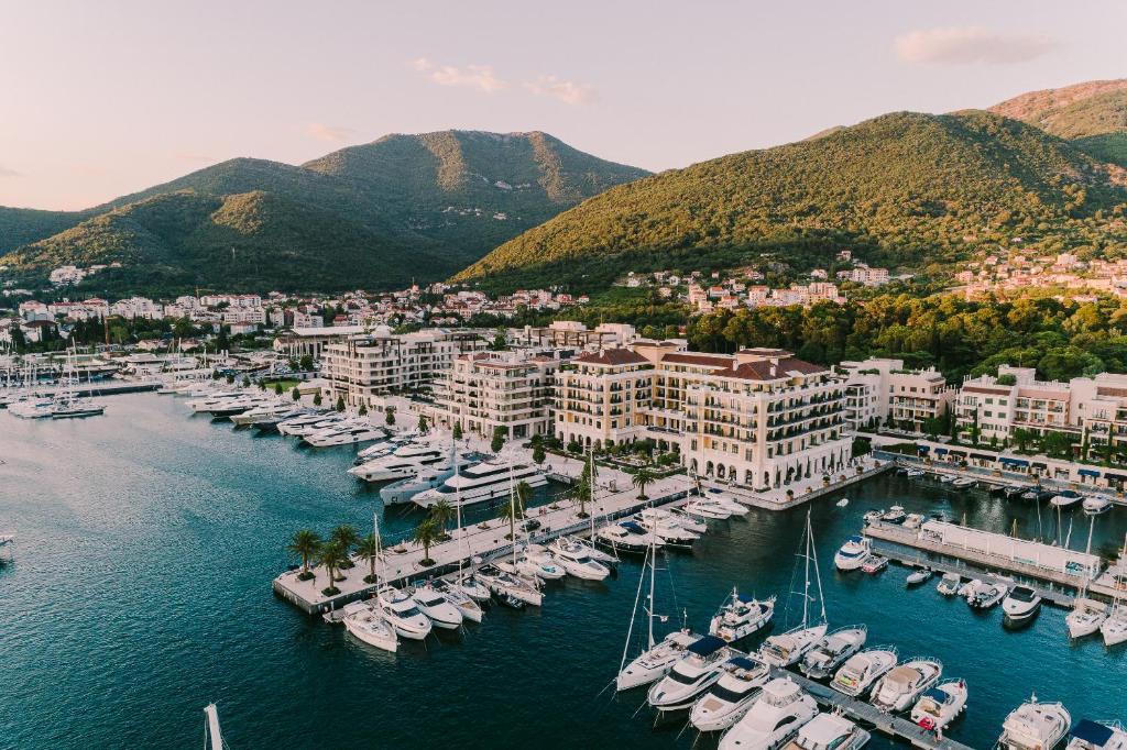 Turizmus Online - Macedónia után Montenegróban is a turizmusfejlesztésről egyeztettünk