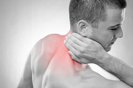 akut fájdalom a vállízületben és a nyakon