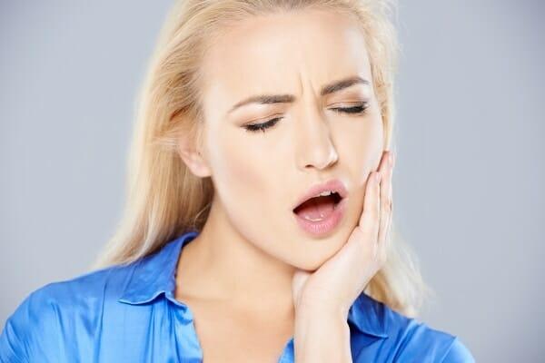 Miért fáj a fülkárosodás? Okok és kezelés - Betegségek És Állapotok -