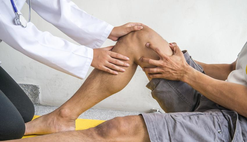 idős ember súlyos ízületi fájdalma)