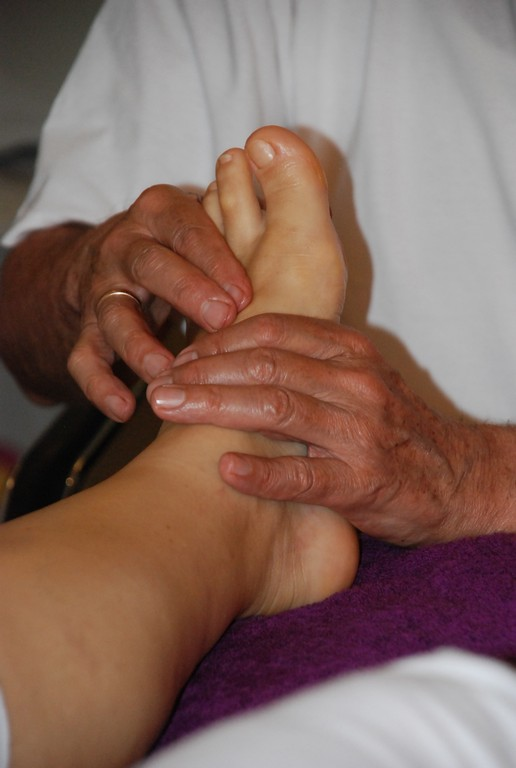 Természetgyógyász–reflexológus masszázsterapeuta   Zimány Tamás